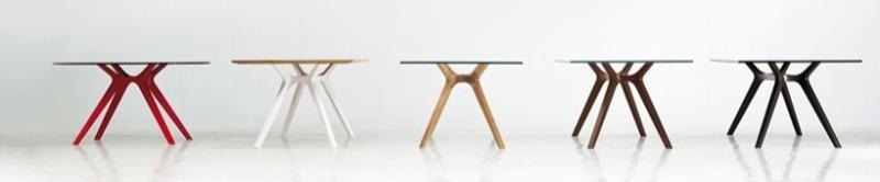 Schreibtisch-Designgestell, farbiges Gestell, roter Schreibtisch, Schreibtisch mit roten Gestell, roter Schreibtisch, Glaschreibtisch