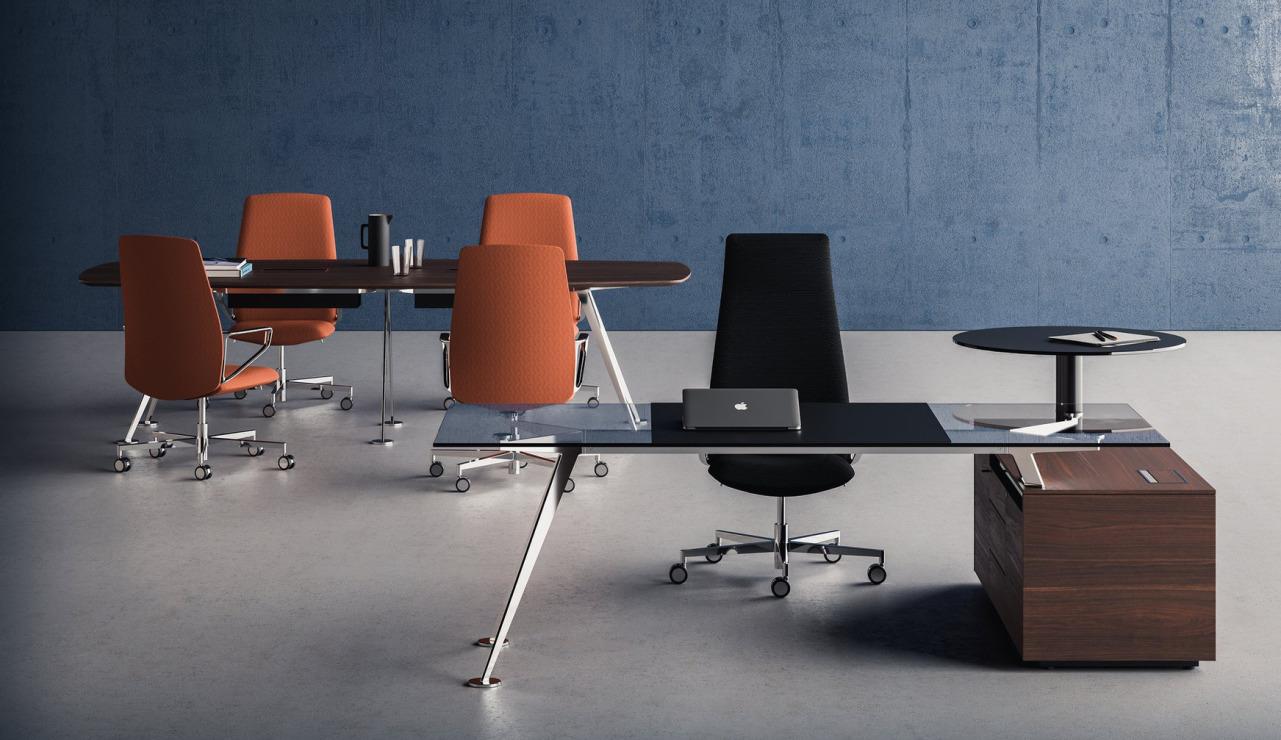 Design Schreibtisch, Design Schreibtisch Chromgestell, Frezza Spike, moderner Manager-Schreibtisch, schönster Schreibtisch, Designschreibtisch München, Chefzimmer Schreibtisch, Managmentbüromöbel, Eleganter Schreibtisch