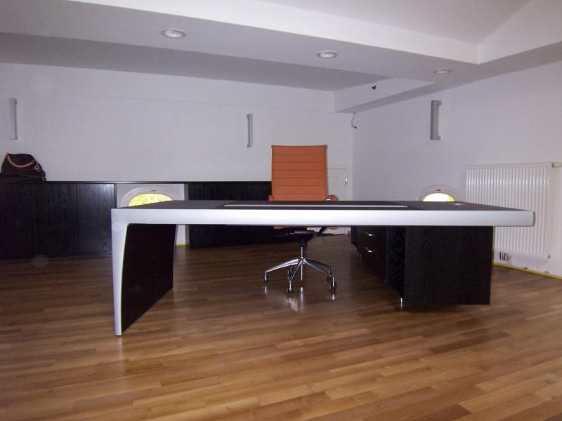 Designbüromöbel und Designstühle - Realisation